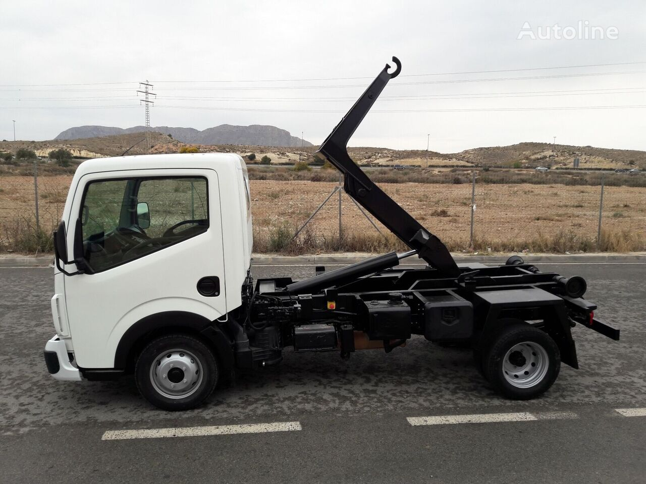 camion ampliroll RENAULT MAXITY EQUIPO MULTILIFT