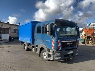 camion bâché MAN TGL 8.220