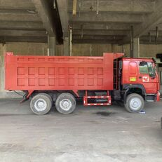 camion-benne HOWO 375