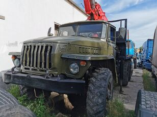 camion forestier URAL HYAB