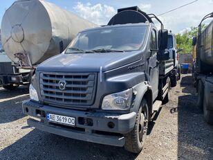 camion plateau GAZ C41R13-5