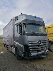 camion rideaux coulissants MERCEDES-BENZ ACTROS 2545 endommagé